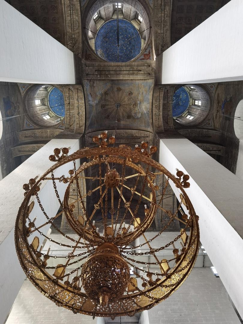 Псков. Кремль. Купольный свод Свято-Троицкого собора