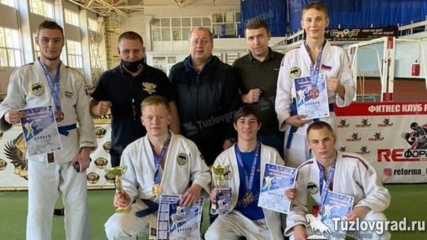 Восемь спортсменов из Новочеркасска выступят на пе...