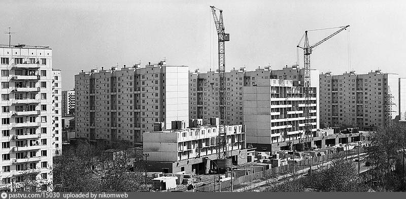 Улица Свободы, строятся дома 34, 32
