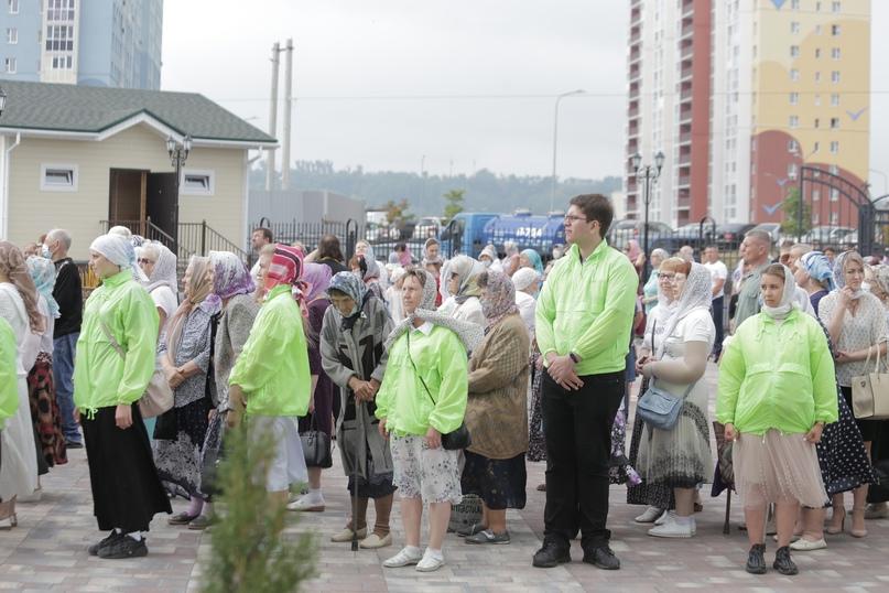 Православные волонтеры «Союза Маринс Групп» оказали помощь в освещении храма в Нижнем Новгороде, изображение №4