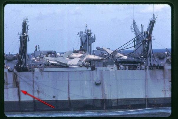 26 ноября 1968 года в Тонкинском заливе у берегов Вьетнама во время приема запасов с универсального транспорта снабжения Camden (AOE-2 на авианосце Hancoc (CVA-19) произошел удивительный