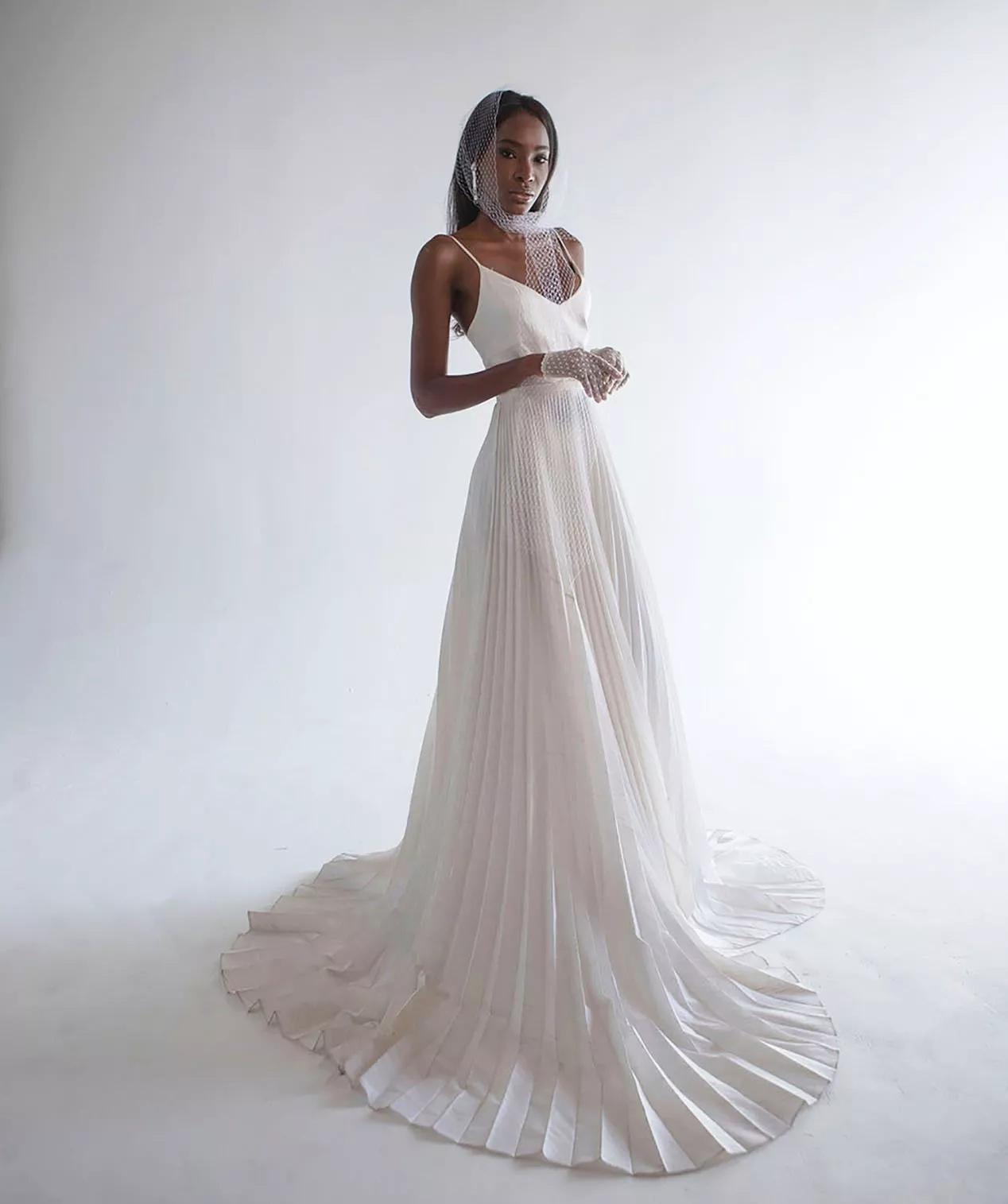 9Tm De NQbE - 21 романтическое платье для невесты в 2021 свадебном сезоне