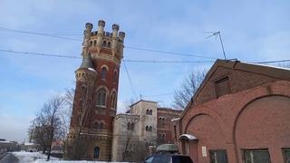 Замок Допетровского Питера или просто Водонапорно - пристрельная башня Обуховского завода?