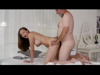 [OldGoesYoung] Stacy Cruz Stacy Cruz - Kinky old man joins cutie in the middle / Секс с дедом [Old and Young, Teen, incest]